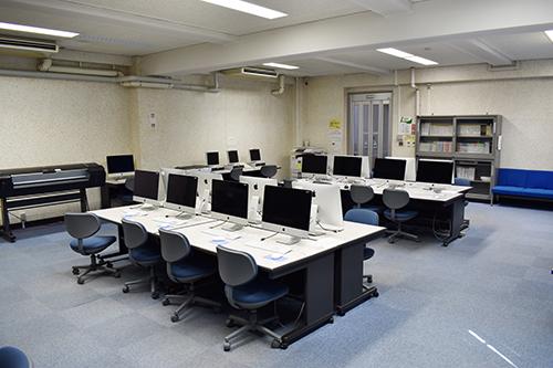 情報基盤室(情報統括本部大橋分室)